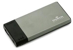 Kingston анонсировала беспроводной картридер, совмещенный с зарядными устройствами