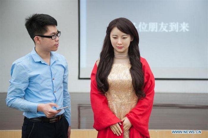 Китайцы начинают формировать образ будущего