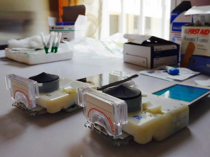 Mchip v.3 – медицинская лаборатория на базе смартфона