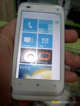 Появились первые живые фото смартфона htc omega с windows phone mango