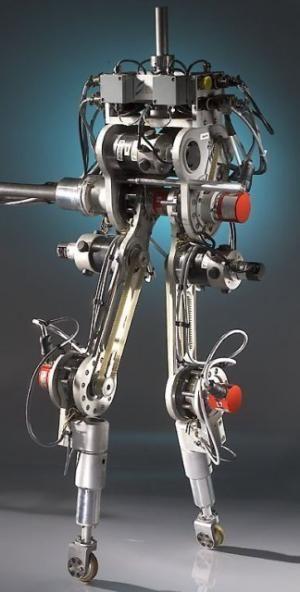 Ученые создали двуногого робота, не теряющего равновесия